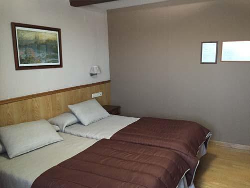 habitaciones triples hotel en sierra nevada 1