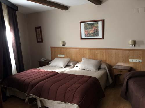 habitaciones trples hotel en sierra nevada 2